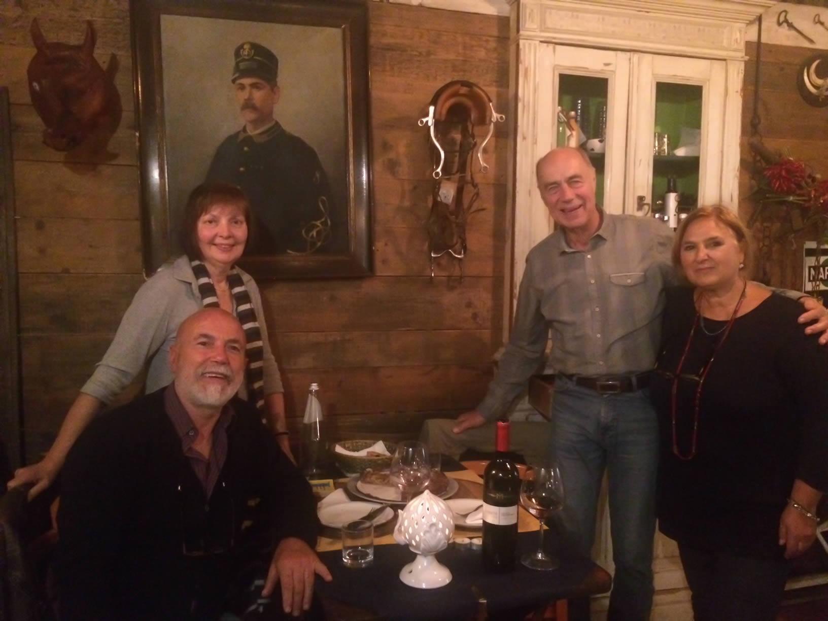 dall'Antiquario ristorante lecce foto di gruppo Famiglia Linda ed Uli (Ulrich)
